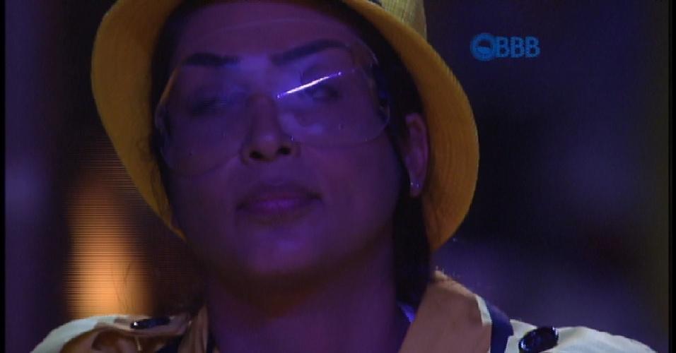 """2.mar.2015 - Fernando volta a falar sobre """"Felipe"""" e Amanda fica brava"""