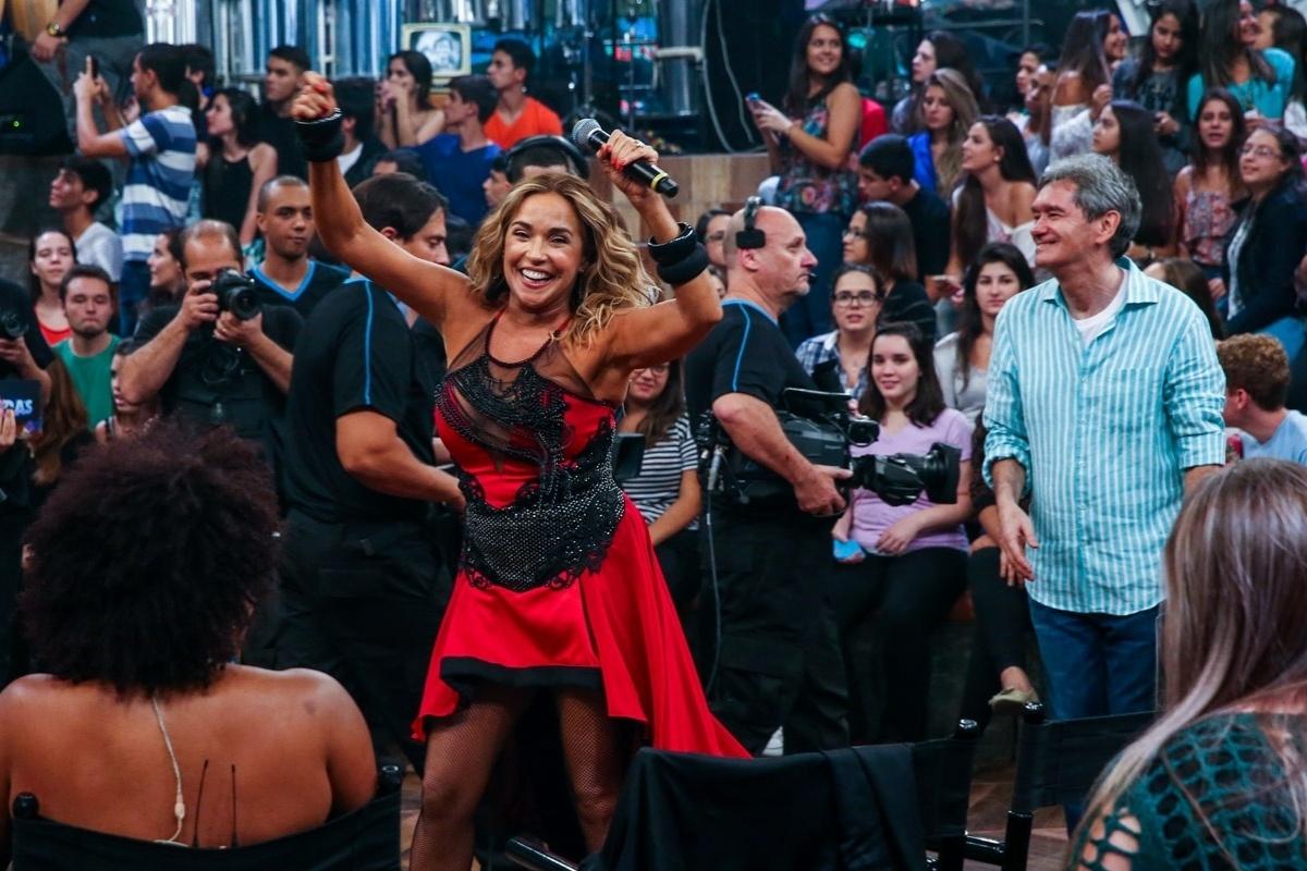 2.abr.2015 - Daniela Mercury relembra seu grande sucesso da década de 1990,