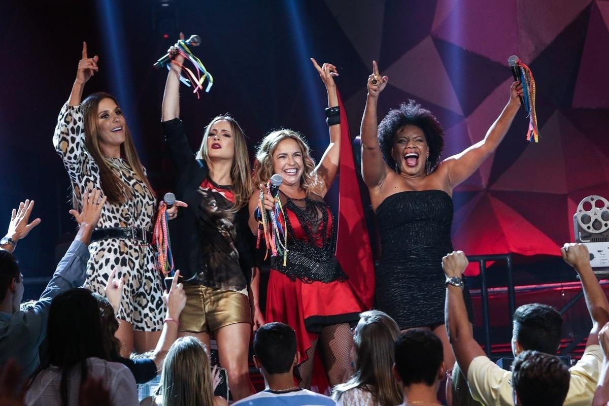 2.abr.2015 - Em uma verdadeira micareta baiana, Ivete Sangalo, Claudia Leitte, Daniela Mercury e Margareth Menezes cantam