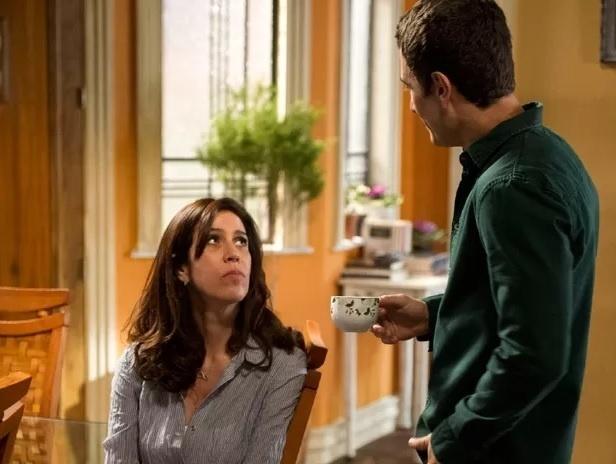 """Em """"Babilônia"""", Luís Fernando (Gabriel Braga Nunes) diz a Karen (Maria Clara Gueiros) que quer a separação"""