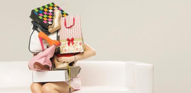 Para se vestir bem, não adianta comprar tudo que está na moda. Basta seguir o seu estilo pessoal e vestir o que te cai bem - iStock