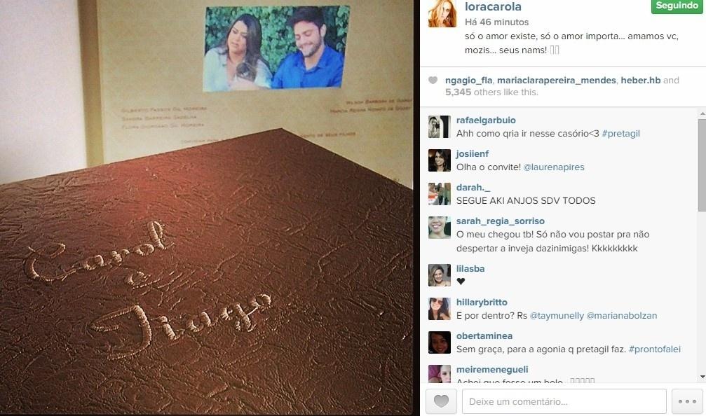 07.abr.2015 - Carolina Dieckmann posta foto do convite de casamento de Preta Gil