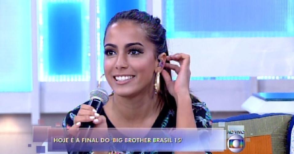 """7.abr.2015 - A cantora Anitta declarou torcer para que Amanda vença o """"BBB15"""" durante participação no """"Encontro com Fátima Bernardes"""""""