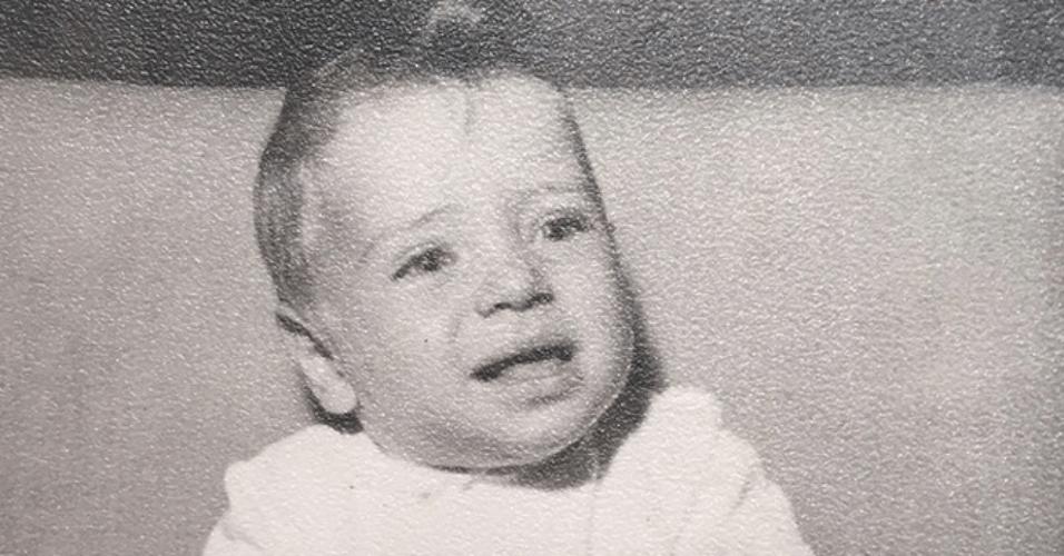 7.abr.2015 - Ana Paula Siebert posta foto de seu namorado, o empresário e apresentador Roberto Justus, quando ainda era um bebê, na madrugada desta terça-feira