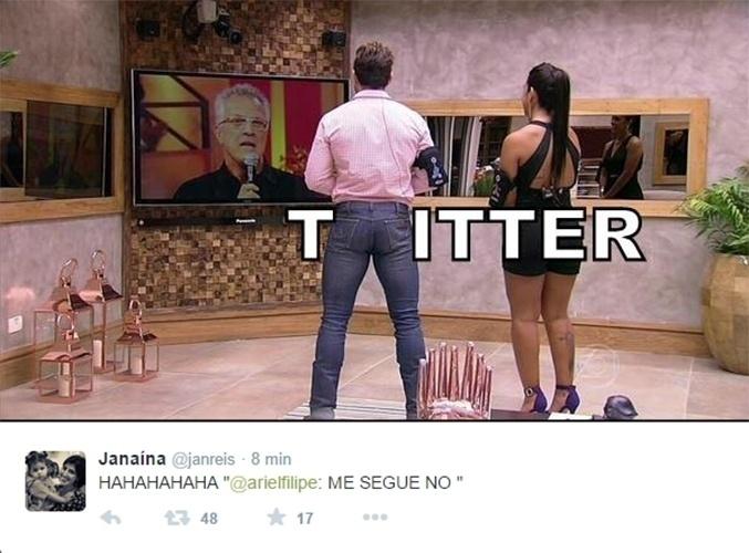 "7.abr.2015 - Bumbum de Cézar Lima vira letra ""W"" para completar o nome do microblog Twitter"
