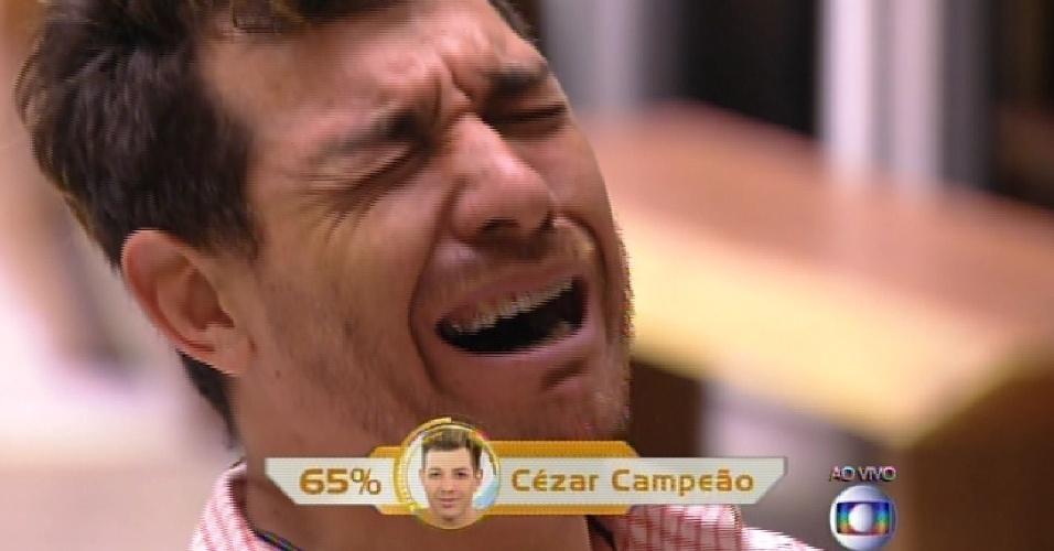"""7.abr.2015 - Cezar é o campeão do """"BBB15"""""""