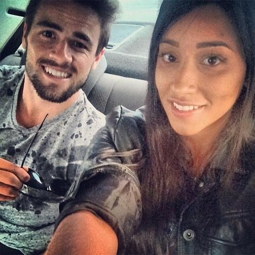 """7.abr.2015 - Rafael e Talita postaram fotos no Instagram avisando que estão chegando no Projac para a final do """"BBB"""", que acontece nesta terça"""