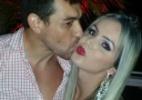 """Novo milionário, Cézar beija modelo transexual durante festa do """"BBB15"""" - Divulgação"""