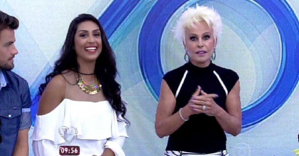 """8.abr.2015 - Os participantes eliminados do """"BBB15"""" deram entrevista para o programa """"Mais Você"""", nesta quarta-feira. Amanda contou para Ana Maria Braga um pouco sobre sua passagem no reality show"""