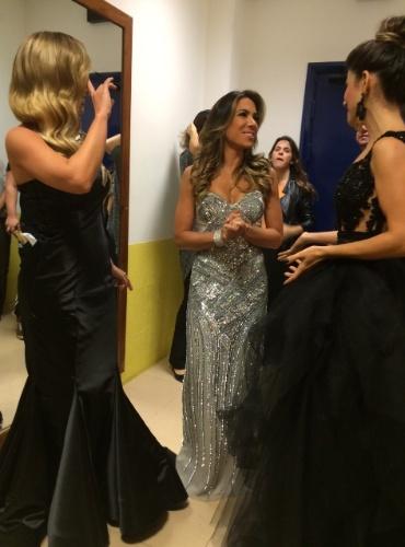 09.abr.2015 - Eliana, Patrícia Abravanel e Paula Fernandes mostraram modelitos supercaprichados na tarde desta terça-feira, nos bastidores do SBT