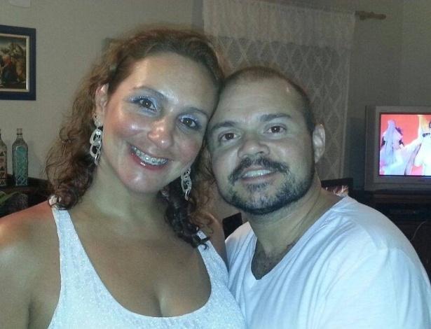 Bárbara Menêses e o marido, o cantor e compositor Erick Barbi, que é transexual - Arquivo Pessoal