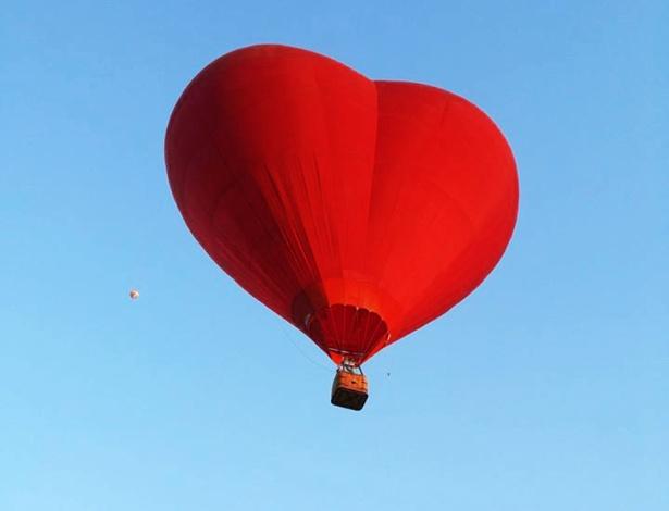Balão de coração em passeio romântico é novidade em feira de casamentos - Divulgação
