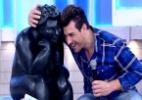 """Cézar ganha a estátua Fidêncio do """"BBB15"""": """"Vou fazer um jardim para ele"""" - Reprodução/TV Globo"""