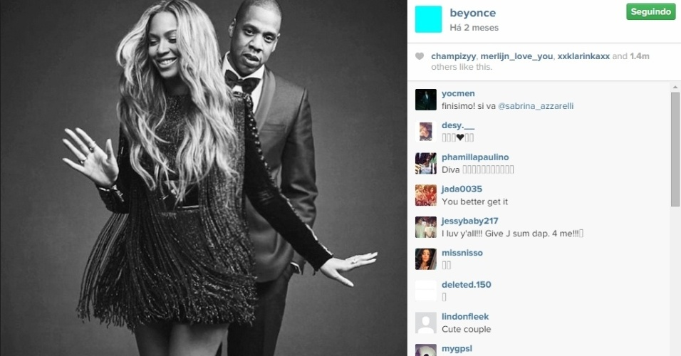ELA POSTA FOTO COM O MOZÃO - Casada com o rapper Jay-Z desde 2008, a cantora não perde a oportunidade de publicar fotos ao lado do marido, com quem forma um dos grandes casais do show biz