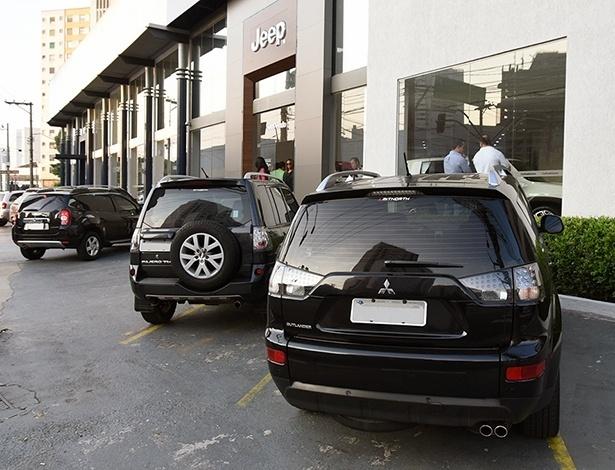 Estacionamento das concessionárias Jeep ficaram lotados de SUVs neste fim de semana - Murilo Góes/UOL