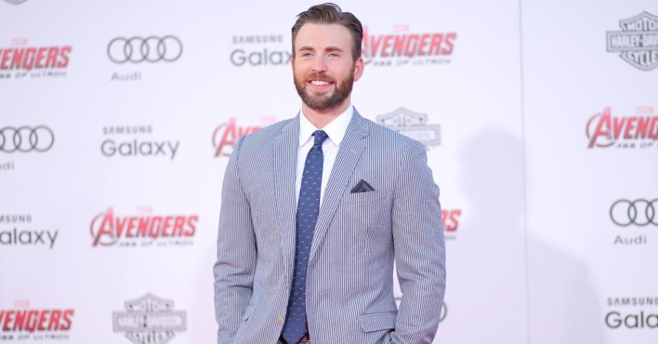 13.abr.2015 - Chris Evans, que interpreta o Capitão América, prestigia a pré-estreia de
