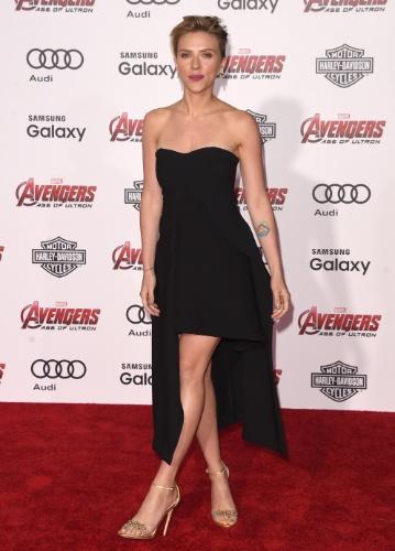 13.abr.2015 - Scarlett Johansson, que interpreta a Viúva Negra, comparece a pré-estreia de