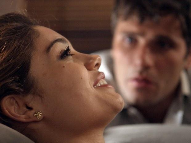 Alice confessa a Murilo que ficou atraída por Evandro