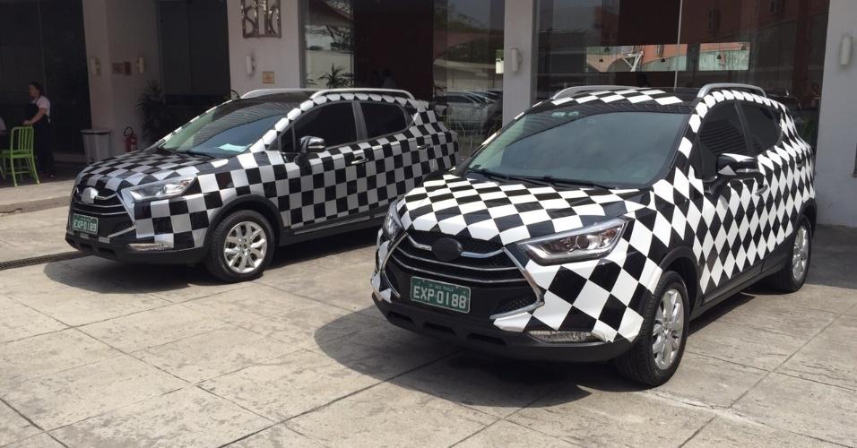 Dupla do SUV chinês JAC T5 é vista na capital paulista; modelo com tamanho de EcoSport chega até o final do ano