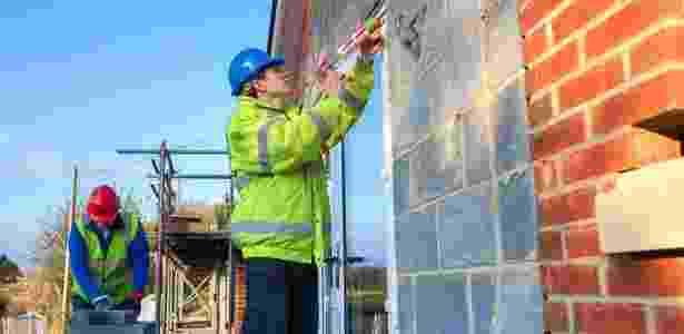 mão de obra; construção civil. contratação; operários trabalhando - Getty Images - Getty Images