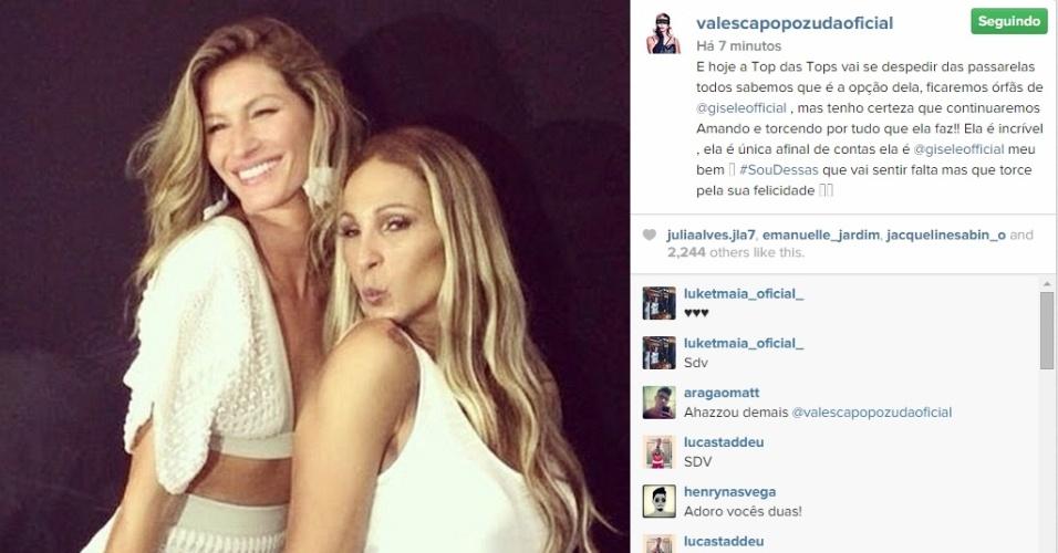 15.abr.2015 - Valesca Popozuda postou uma foto fazendo