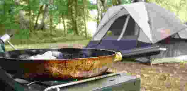 Cozinhar no camping - Getty Images - Getty Images
