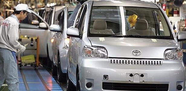 Linha de produção da fábrica da Toyota na China