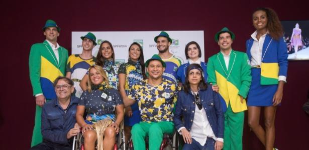 16.abr.2014 - Atletas vestem uniformes criados pela Amapô para os jogos do Pan - Gabriel Quintão/UOL