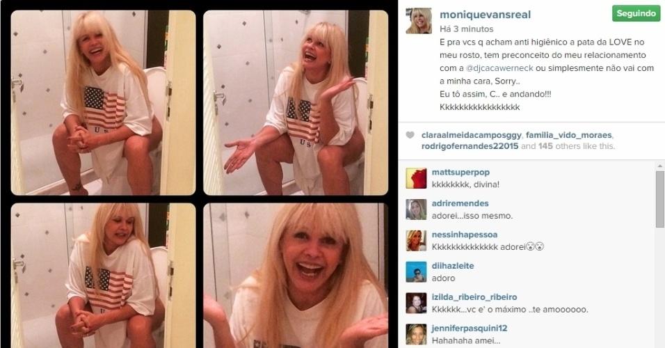 """17.abr.2015 - Monique Evans se irritou com a opinião de alguns seguidores e publicou uma imagem irreverente em seu Instagram, nesta sexta-feira. Em uma montagem com quatro fotos, ela aparece sentada em um vaso sanitário, aparentemente sem calcinha. Na legenda, a ex-modelo deu seu recado: """" Para vocês que acham anti-higiênico a pata do Love no meu rosto, têm preconceito com o meu relacionamento ou simplesmente não vão com a minha cara, Sorry... Eu tô assim, c****** e andando! kkkkkkkk"""""""