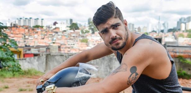 """Caio Castro como Grego em """"I Love Paraisópolis"""""""