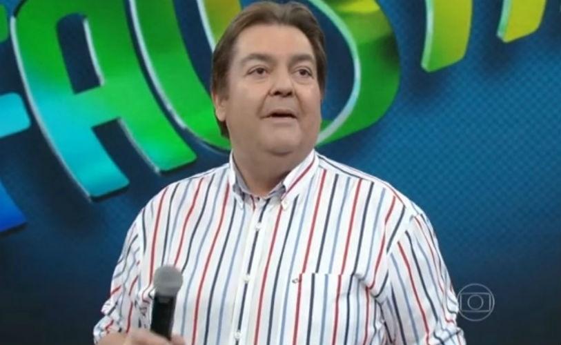 19.abr.2015 - Fausto Silva fala de artista que, após a fama, saem