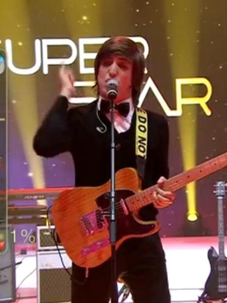 """Johnny Franco com a banda paulistana The Moondogs no """"SuperStar"""" - Reprodução/TV Globo"""