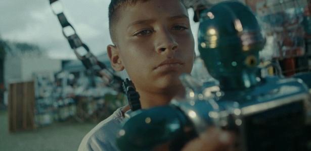 """O estudante David Martins, de 14 anos, morador de Rio Claro (SP), estrela o curta """"Command Action"""" - Divulgação"""