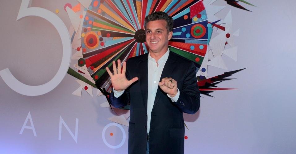 23.abr.2015 - Luciano Huck comparece ao show em comemoração aos 50 anos da TV Globo, no Maracanãzinho