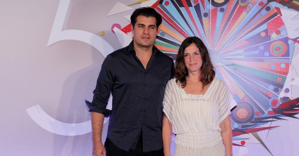23.abr.2015 - Thiago Lacerda e Vanessa Lóes participam do show em comemoração aos 50 anos da TV Globo, no Maracanãzinho