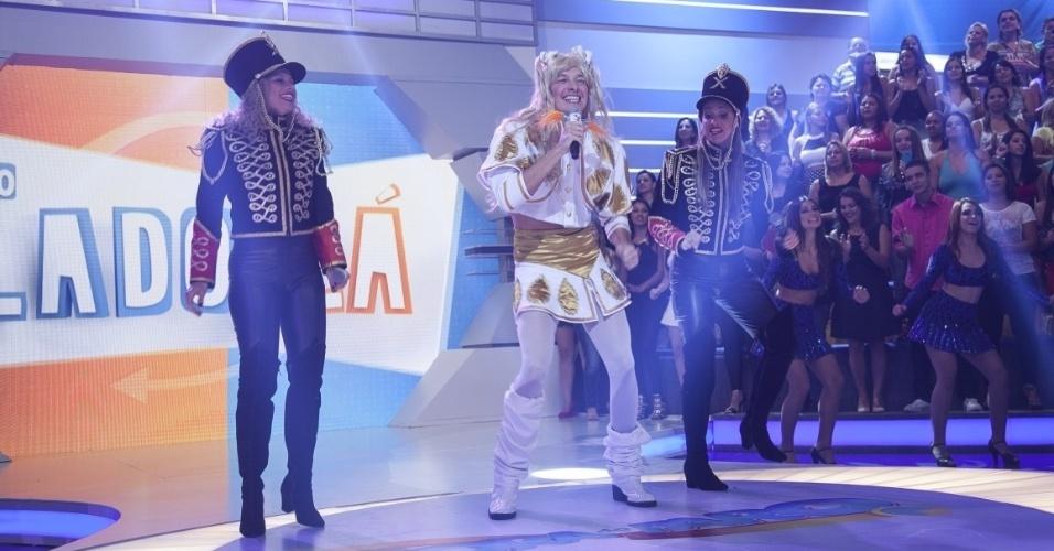 Abril - Rodrigo Faro se veste de Xuxa em homenagem a Rainha dos Baixinhos, recém-contratada da TV Record