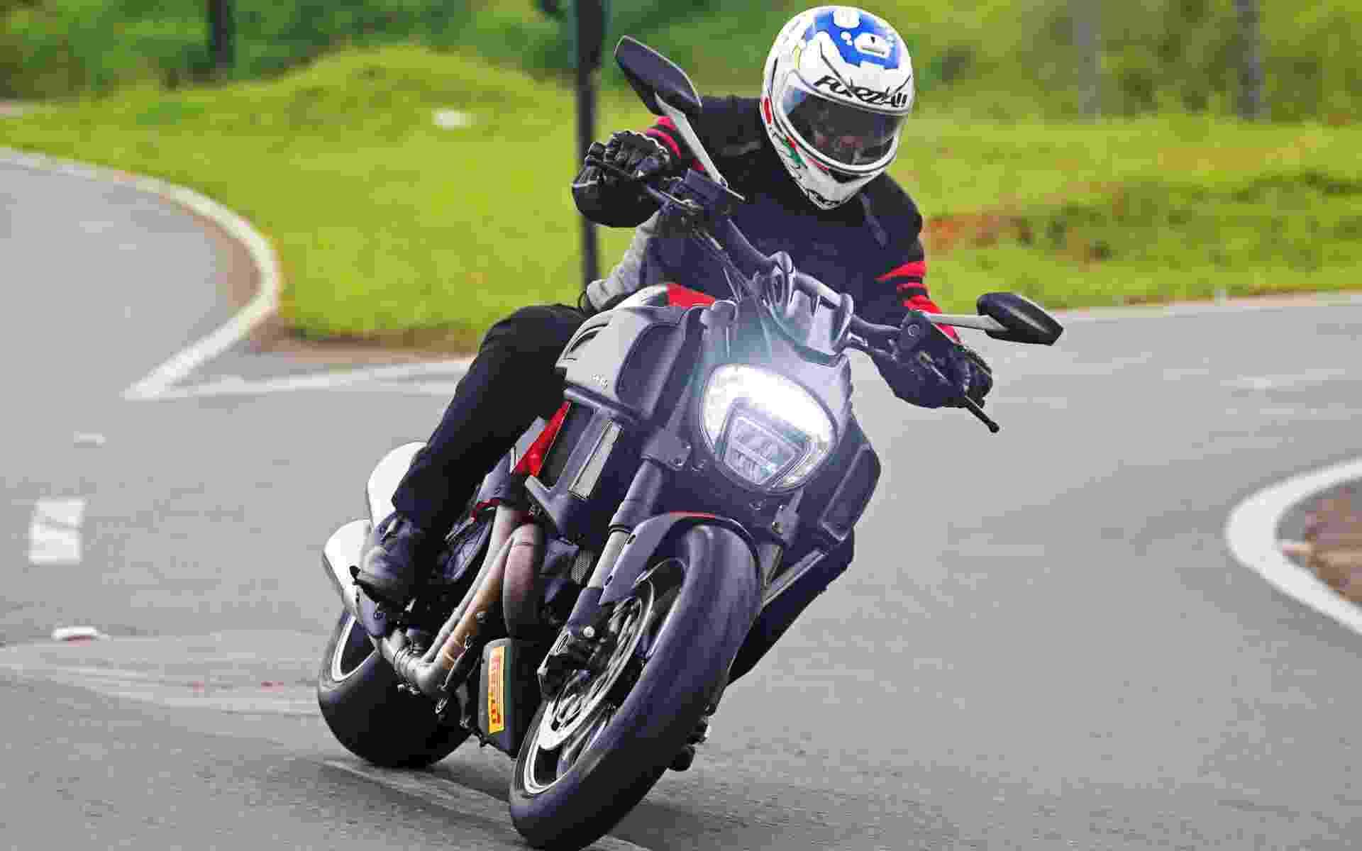 Ducati Diavel 2015 - Divulgação