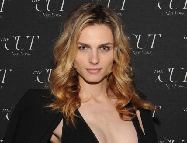 Modelo transgênero Andreja Pejic assina contrato com a Make Up For Ever - Getty Images