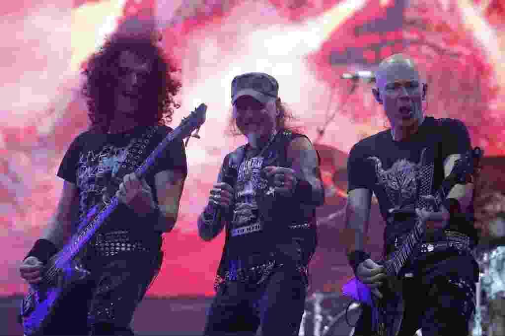 26.04.2015 - A banda alemã Accept, uma das mais influentes no desenvolvimento do speed e trash metal, se apresenta no palco do Monsters of Rock, em São Paulo. A banda, que existe desde 1968, se separou diversas vezes, se reunindo novamente em 2009. - Junior Lago/UOL