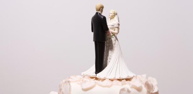 Nem só de jantares românticos são feitas as celebrações de aniversário de casamento - Getty Images