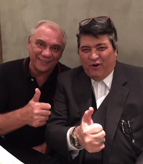 29.abr.2015 - José Luiz Datena e Marcelo Rezende dividem jantar em restaurante japonês em São Paulo