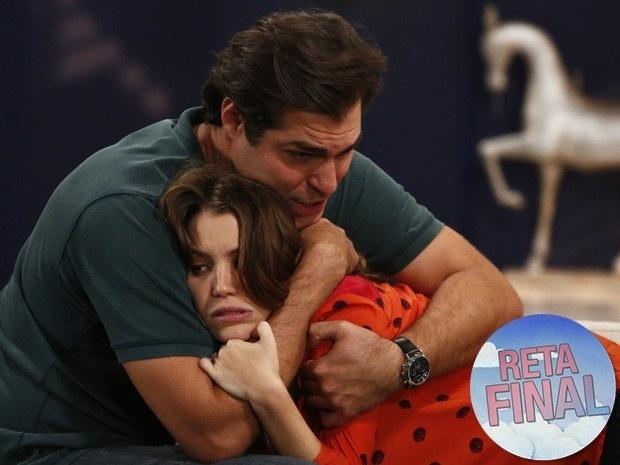 Marcos descobre gravidez de Laura e ameaça: