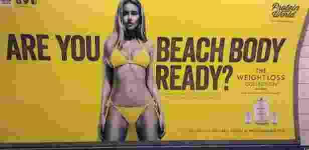 Anúncio com corpo 'inatingível' gera protesto de feministas - BBC - BBC