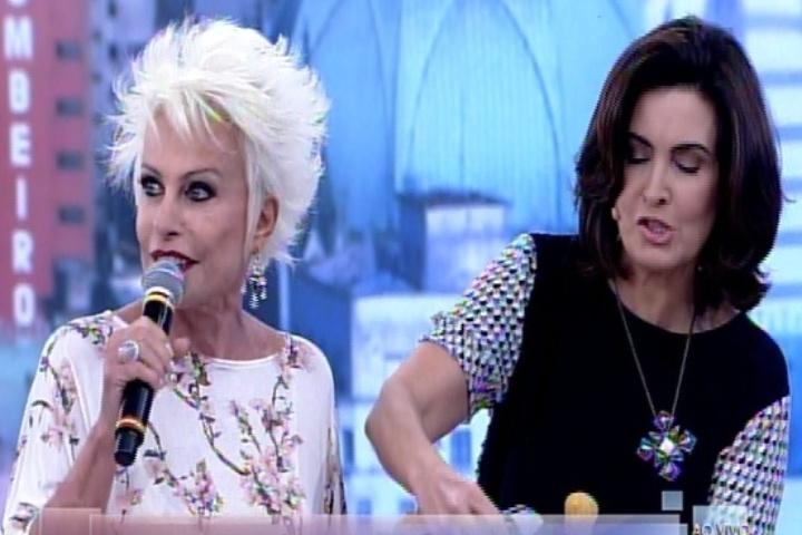 Ana Maria Braga leva cesta de coxinhas para Fátima Bernardes experimentar
