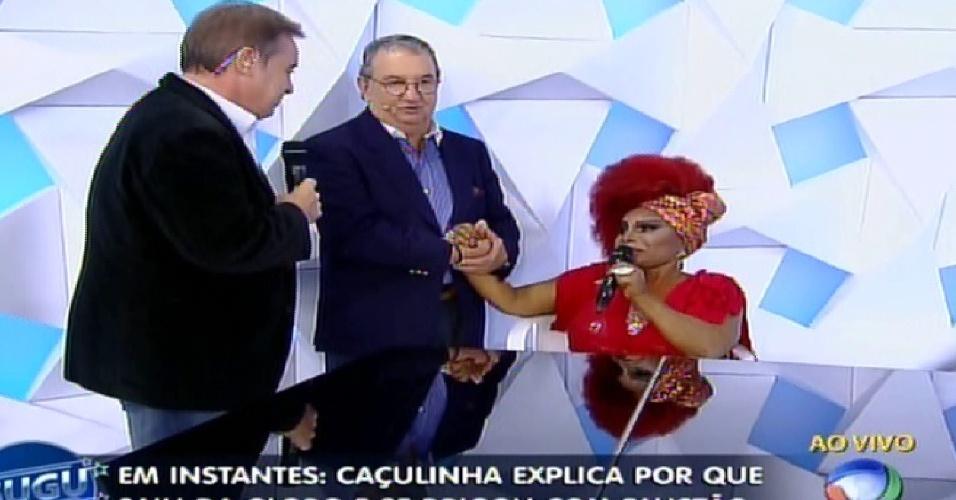 """Caçulinha e Elza Soares se reencontram no """"Programa do Gugu"""""""
