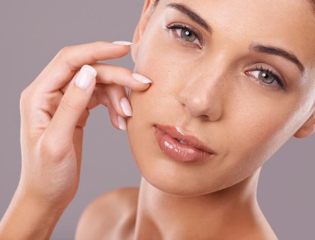 Limpeza, desintoxicação e hidratação são alguns dos segredinhos para a pele perfeita - iStock