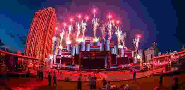 A tradicional queima de fogos do festival durante visita da imprensa em Las Vegas na terça-feira (5) - Doug Van Sant/Divulgação