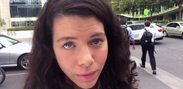 Vídeos foram criticados pela possibilidade de levar mulher a provocar acidentes - Miles