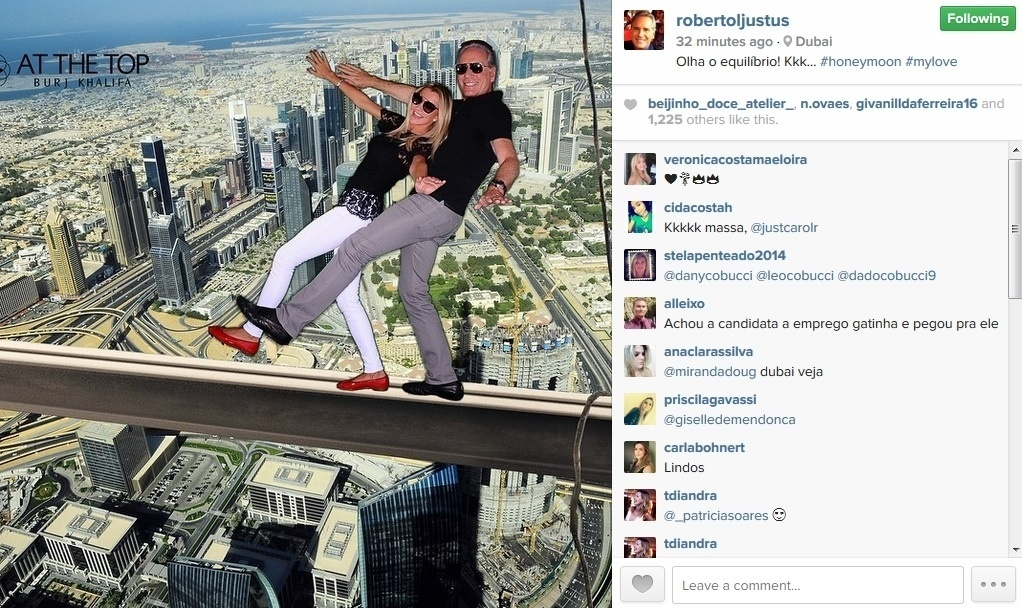 8.mai.2015 - Ana Paula Seibert e Roberto Justus visitam o Burj Khalifa, o maior arranha-céu do mundo, em Dubai
