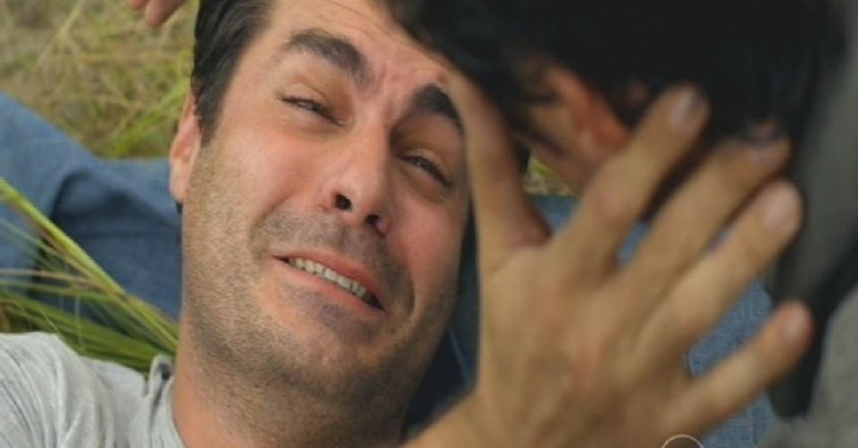 """""""Eu nasci estragado"""", diz Marcos para o irmão, Caíque"""